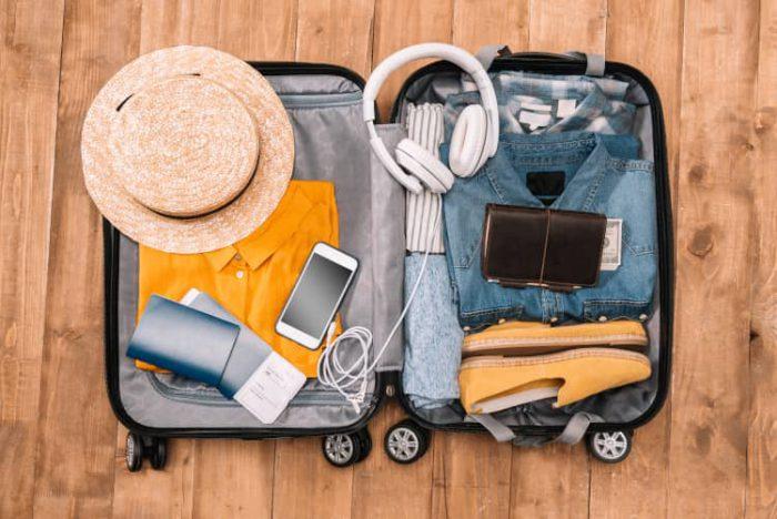wyjazd za granicę - pakowanie walizek