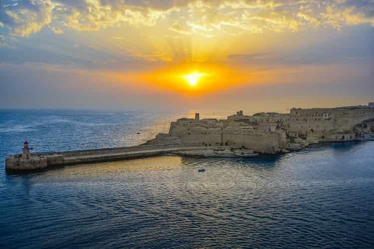 wschód słońca na Malcie